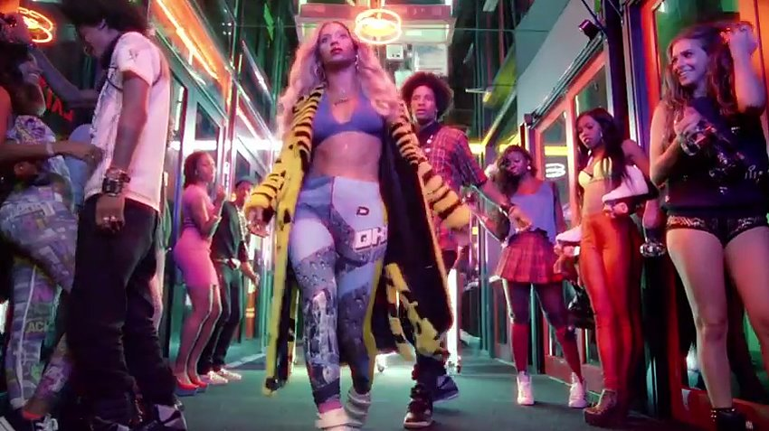 WTFSG-Beyonce-New-Album-Fashion-Credits-Blow-DKNY