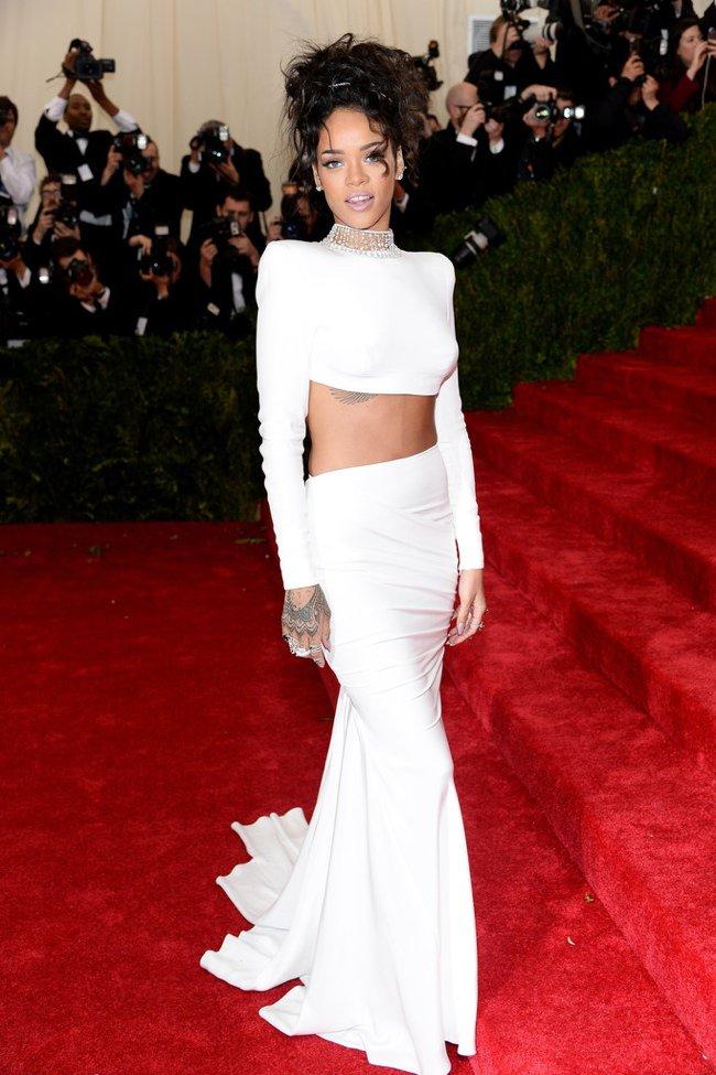 WTFSG-met-gala-2014-Rihanna