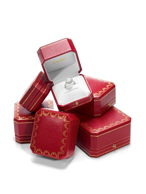 WTFSG-true-love-has-a-name-cartier-destinee-boxes