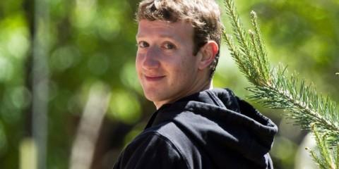 WTFSG_Mark-Zuckerberg-Looks-Back-Hoodie