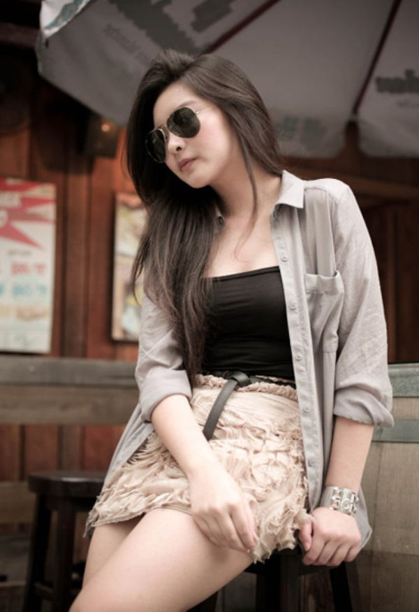 WTFSG-2012-top-10-fashion-bloggers-southeast-asia_Karina-Priscilla_Faboosh-Baboosh
