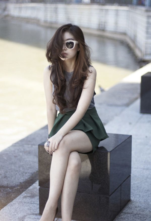 WTFSG-2012-top-10-fashion-bloggers-southeast-asia_Silvia-Siantar_Poise-Polish