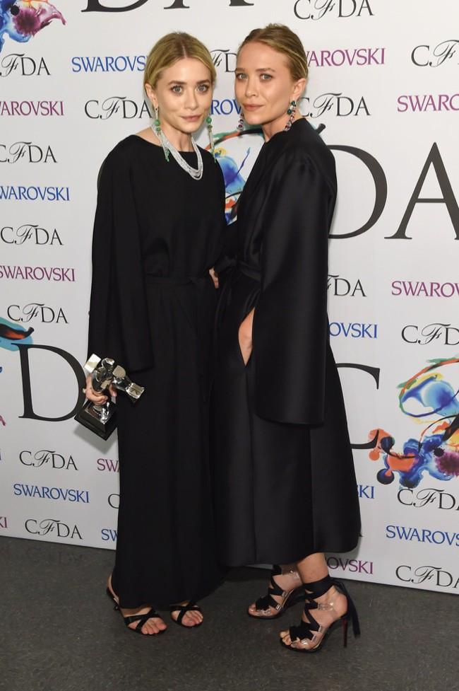 WTFSG-2014-cfda-fashion-awards-mary-kate-ashley-olsen-the-row