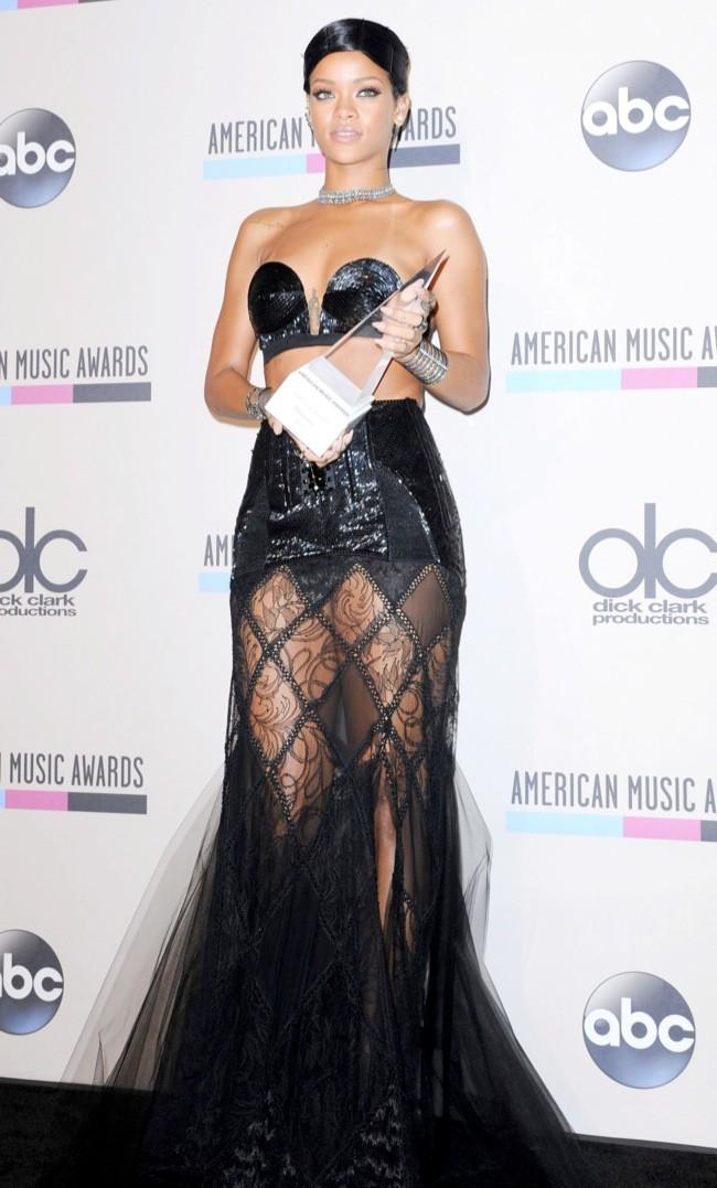 WTFSG-Rihanna-Jean-Paul-Gaultier-2013-American-Music-Awards