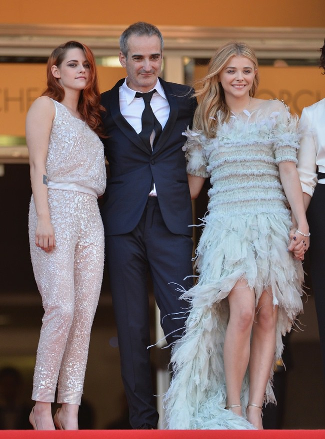 WTFSG-cannes-film-festival-closing-red-carpet_Kristen-Stewart_Chloe-Grace-Moretz
