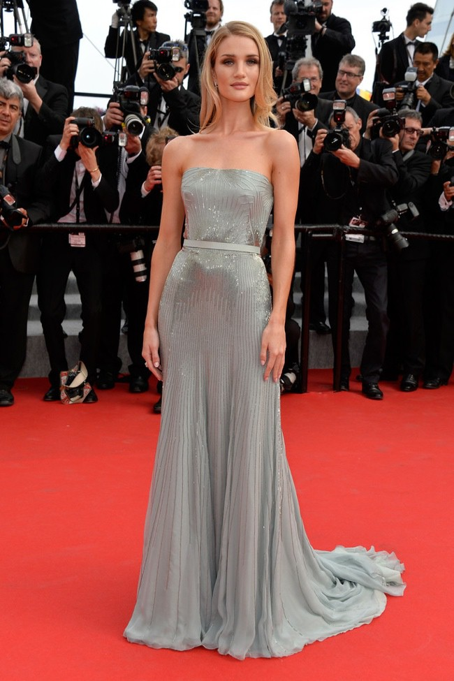 WTFSG-cannes-film-festival-closing-red-carpet_Rosie-Huntington-Whiteley