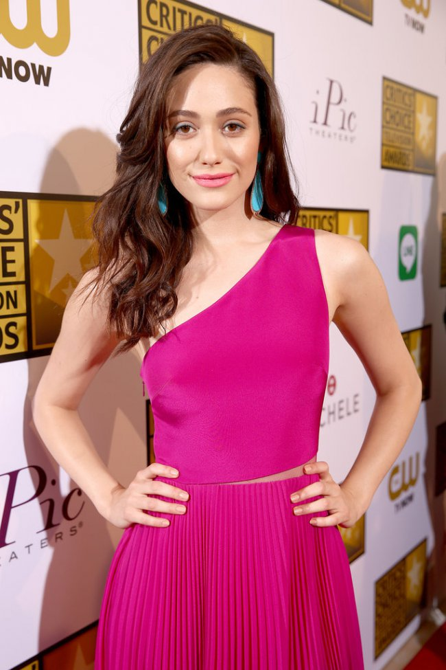 WTFSG_2014-critics-choice-tv-awards-red-carpet_Emmy-Rossum