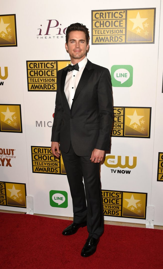 WTFSG_2014-critics-choice-tv-awards-red-carpet_Matt-Bomer