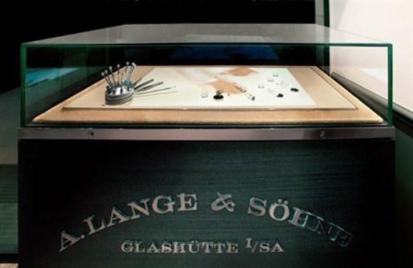 WTFSG_alange-sohne-boutique-debuts-hong-kong_4