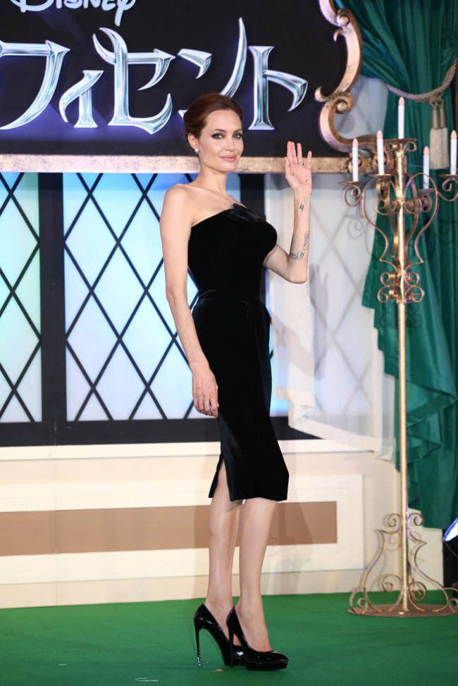WTFSG_angelina-jolie-maleficent-japan-premiere