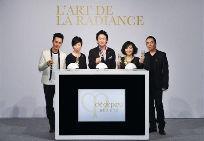 WTFSG_cle-de-peau-beaute-lart-de-radiance-exhibition_Alvin-Goh_Tammy-To_Yoshiaki-Okabe_Esther-Kwong_Makoto-Tojiki