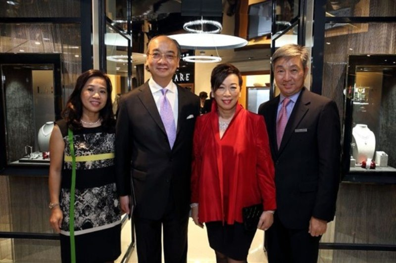 WTFSG_larry-jewelry-reopening-paragon-singapore_Catherine-Ng_Caric-Hon_Selina-Chow_Eric-Tay