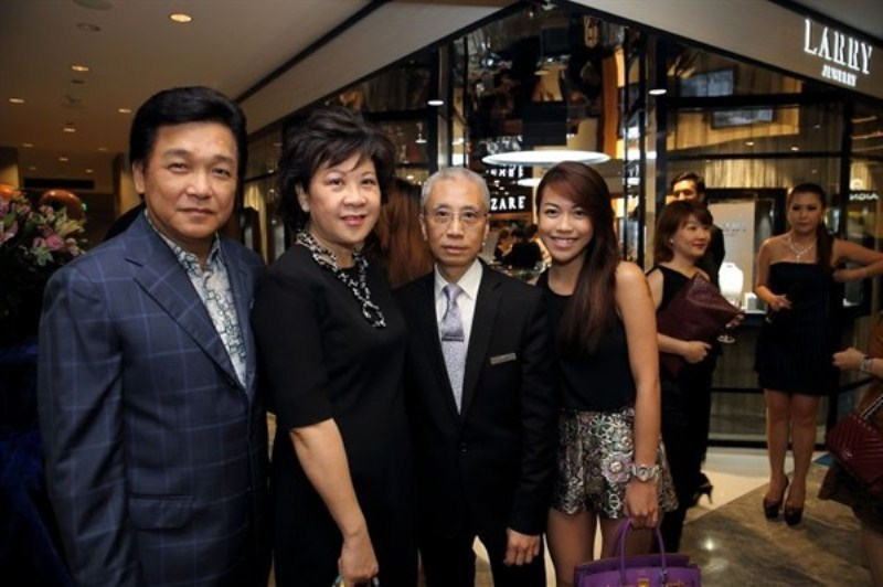 WTFSG_larry-jewelry-reopening-paragon-singapore_Victor-Ow_Carmen-Ow