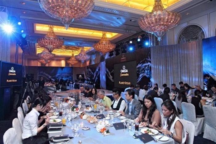 WTFSG_omega-seamaster-planet-ocean-2011-hong-kong_dinner