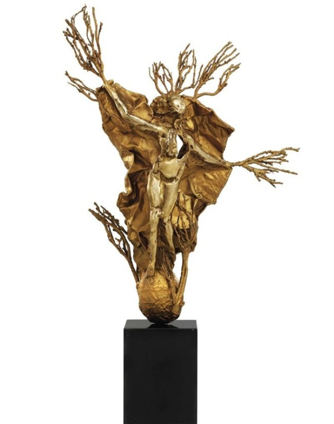 WTFSG_small-is-beautiful-the-online-modern-sculpture-sale-by-christies_Victoire-de-Samothrace_Salvador-Dalí