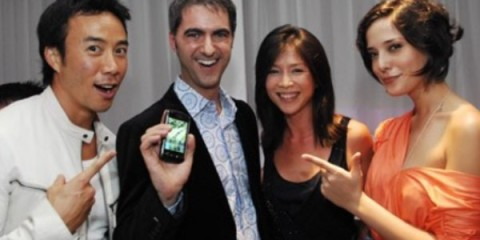 WTFSG_Blackberry-Storm-Touchscreen-Smartphone_Allan-Wu_Wong-Li-Lin_Rebecca-Tan