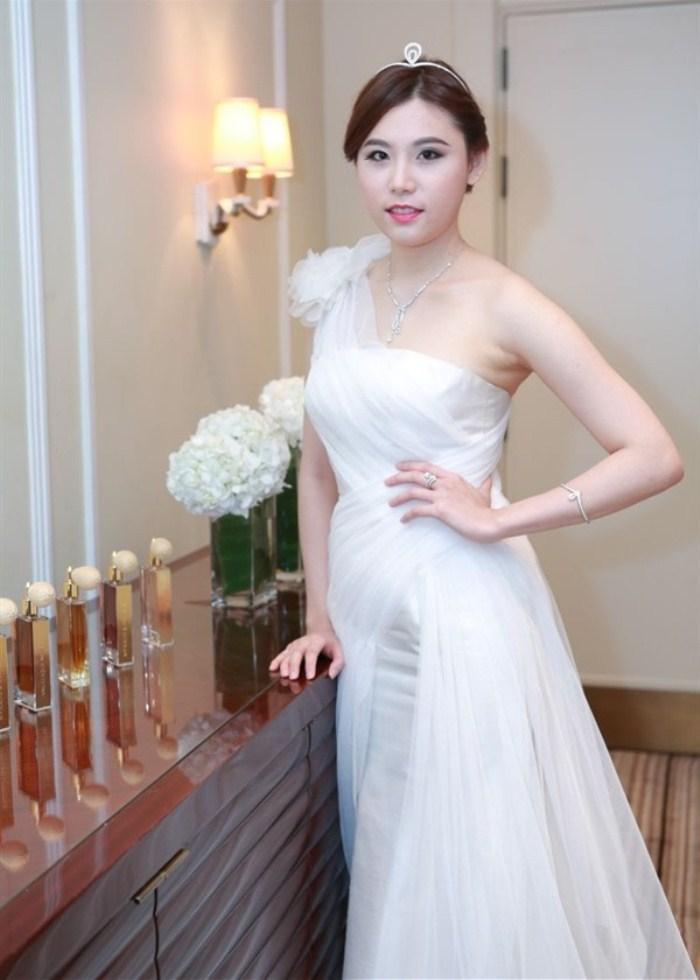 WTFSG_Chaumet-2014-Shanghai-International-Debutante-Ball_Iris-Tsai_Josephine-Tiara