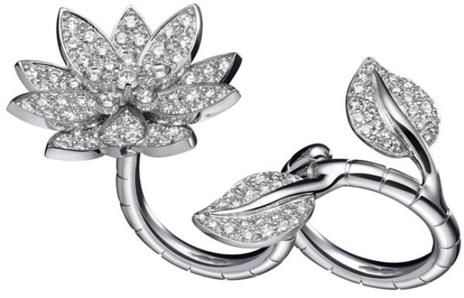 WTFSG_Lotus-Between-The-Finger Ring-by-Van-Cleef-Arpels
