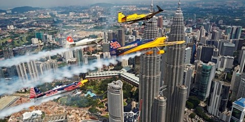 WTFSG_breitling-racing-team-wins-red-bull-air-race-in-east-asia