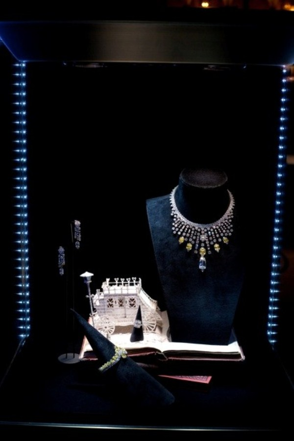 WTFSG_cartier-debuts-fine-jewellery-collection-hk_secrets-et-merveilles