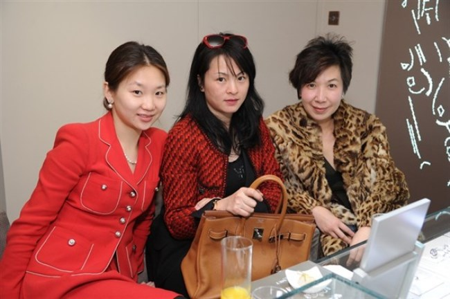 WTFSG_chaumet-reopens-elements-boutique-hong-kong_guests
