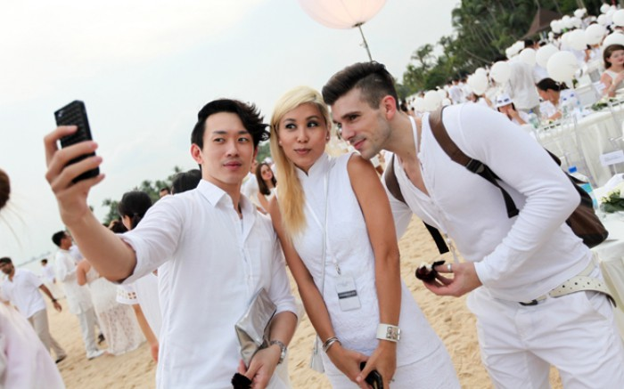 WTFSG_diner-en-blanc-singapore-2014_Willber-Go_Marie-Choo_Gonzaga-Lopez-Barros