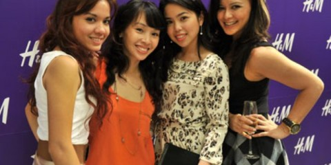 WTFSG_hm-singapore-pre-launch-party_Jillian-Kimberly-Lim_Maddy-Barber_Charmaine-Yee_Cheryl-Miles