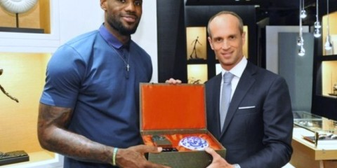 WTFSG_lebron-james-visits-audemars-piguets-first-self-owned-boutique-hk_David-von-Gunten