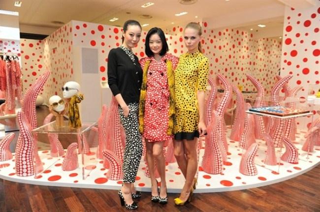 WTFSG_louis-vuitton-yayoi-kusama-singapore-concept-store_sheila-sim_models