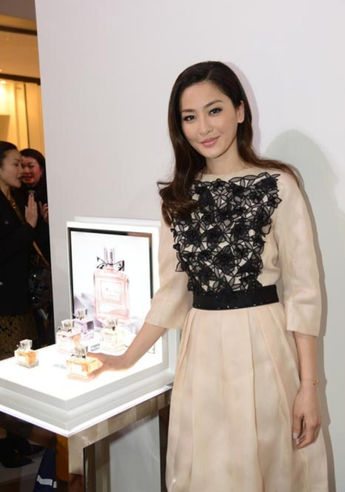 WTFSG_miss-dior-fragrance-of-the-creator-exhibition-opening_12