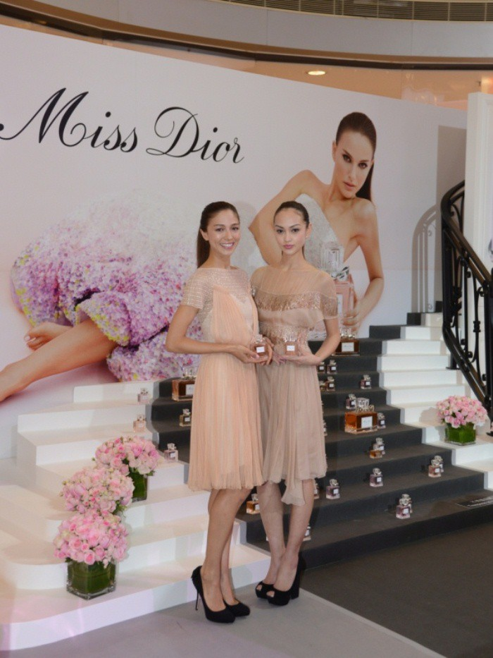 WTFSG_miss-dior-fragrance-of-the-creator-exhibition-opening_Cara-Grogan_Jessica-Cambensy