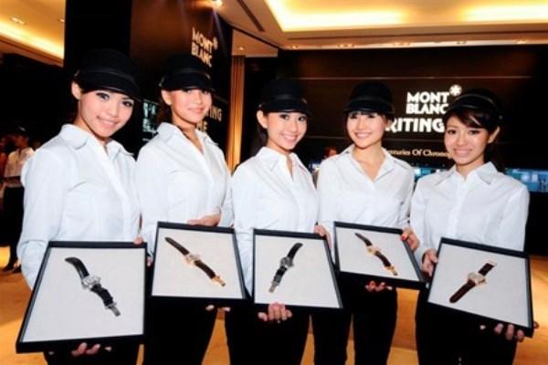 WTFSG_montblanc-travelling-exhibit-historic-chronographs-singapore_models