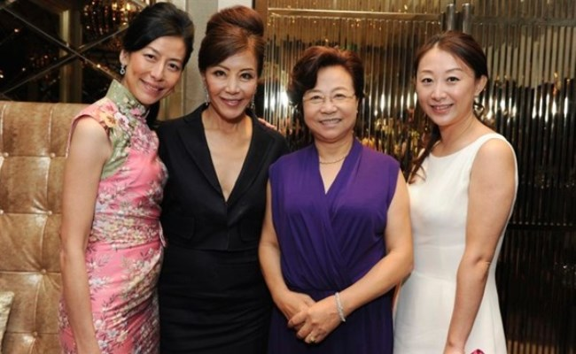 WTFSG_mothers-day-sg-harry-winston_Valerie-Chan_Grace-Yeh_Mrs-Huang_Zhen-Huang