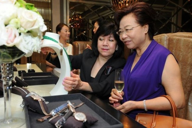 WTFSG_mothers-day-singapore-harry-winston_guests