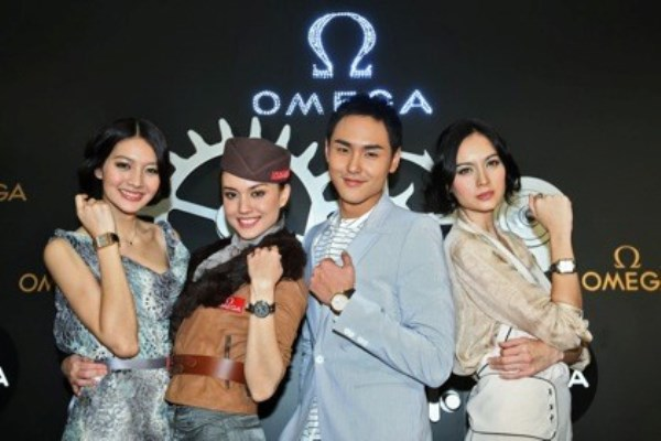 WTFSG_omega-open-connaught-road-boutique-hong-kong_Maggie-Wu_Mandy-Lieu_Ethan-Ruan_Ana-R