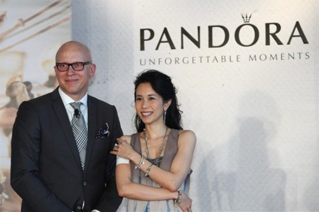 WTFSG_pandora-spring-2012-collection-launch-hk_Hans-Hornemann_Karen-Mok