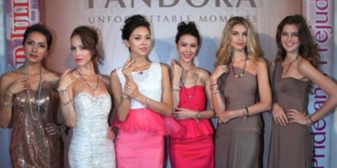 WTFSG_pandora-unveils-three-new-collections-hk