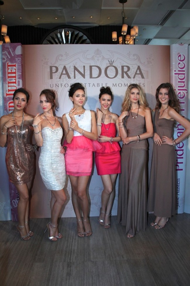 WTFSG_pandora-unveils-three-new-collections-hk_Christmas-2012_Valentines-Day-2013_Autumn-2012