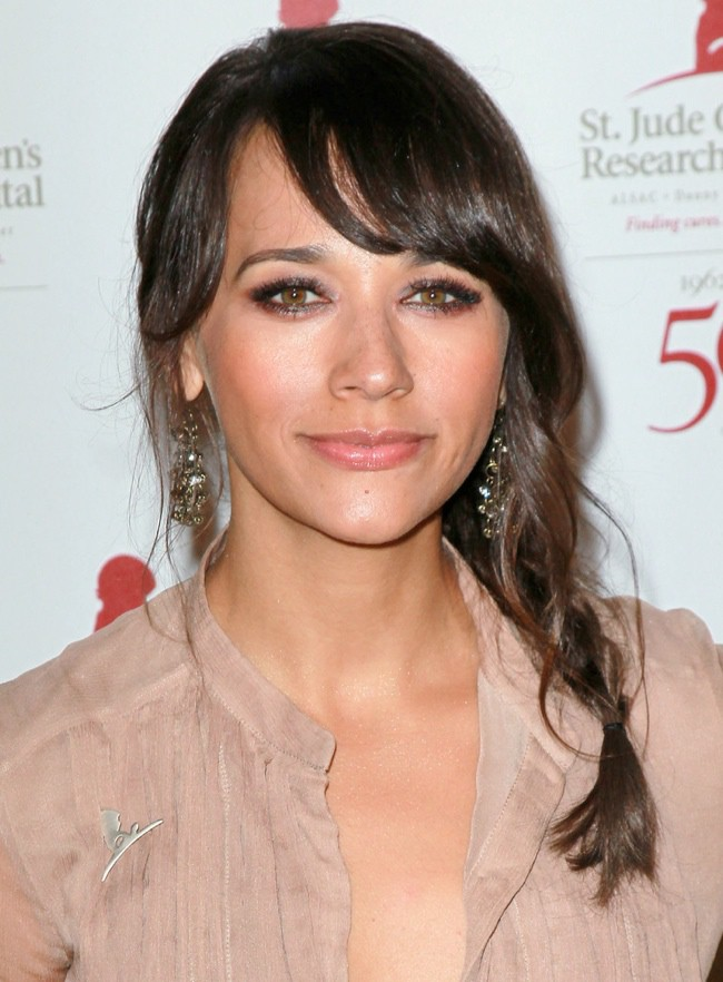 WTFSG_rashida-jones-sideswept-bangs-braid