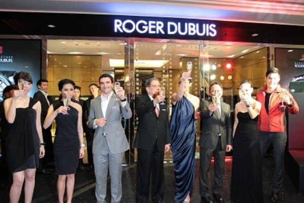 WTFSG_roger-dubuis-opens-thai-flagship-bangkok_toast