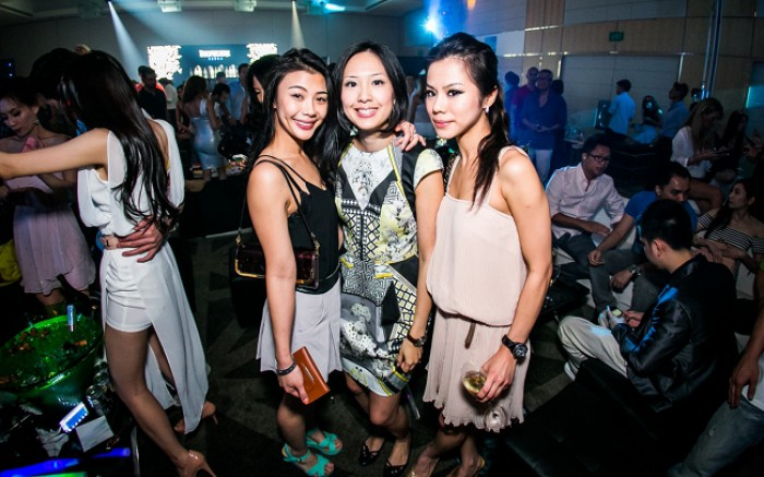 WTFSG_singtel-singapore-grand-prix-2013_Amanda-Tan_Amanda-Liok_Khoo-Shu-Yun