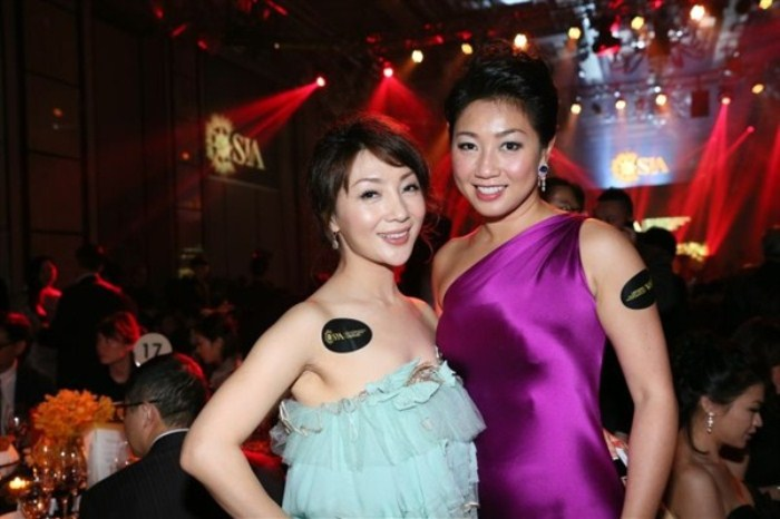 WTFSG_sun-auction-gala-dinner_Amy-Cheung_Karen-Suen