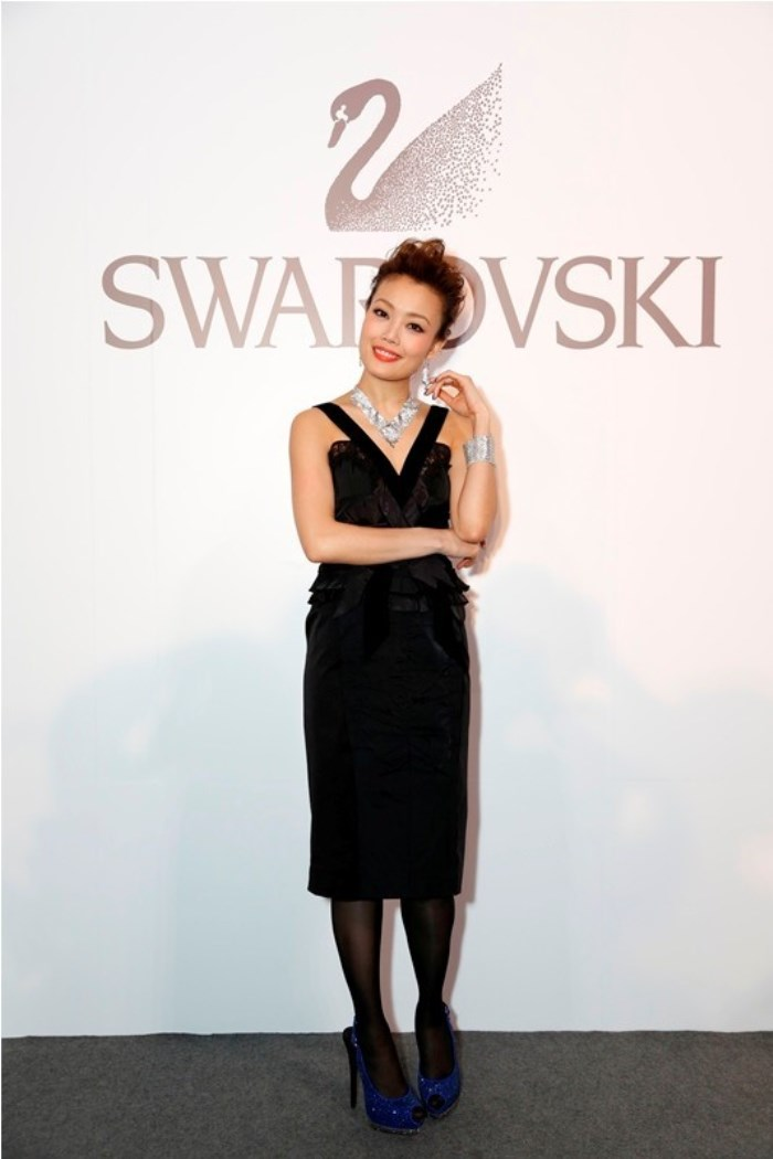 WTFSG_swarovski-style-yourself-with-jewelry-exhibition-hong-kong_Joey-Yung-model