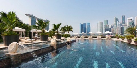 WTFSG_top-4-poolside-bars-in-singapore_Bay-5_Mandarin-Oriental-Hotel
