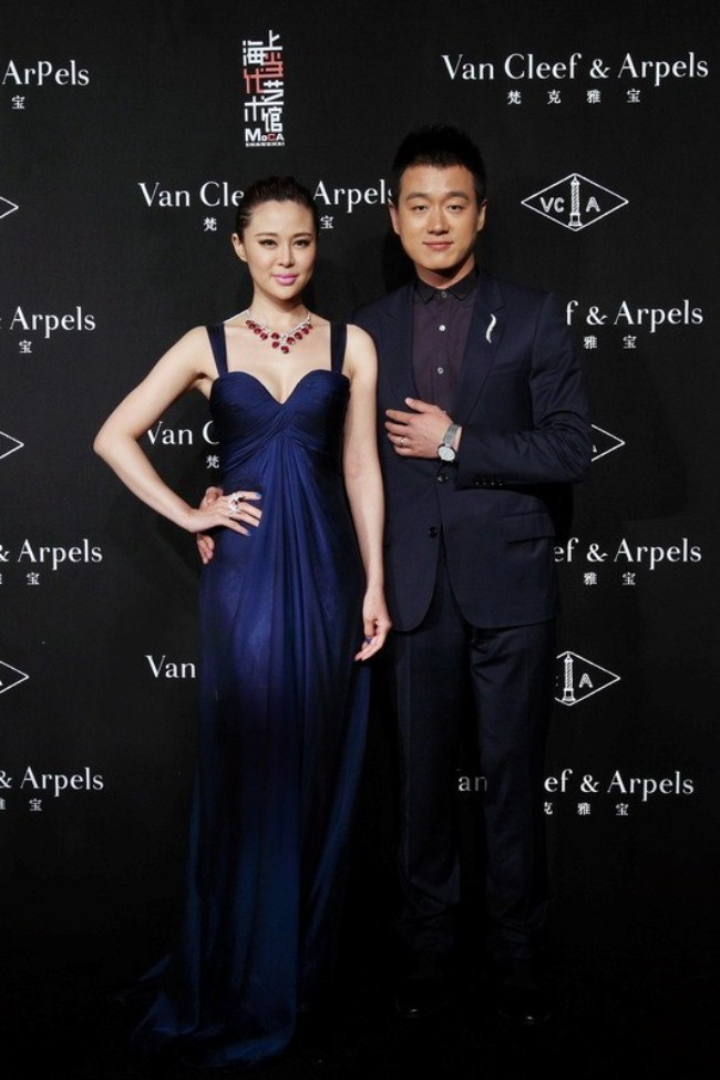 WTFSG_van-cleef-arpels-timeless-beauty-exhibit-shanghai_Guan-Yue_Tong-Dawei