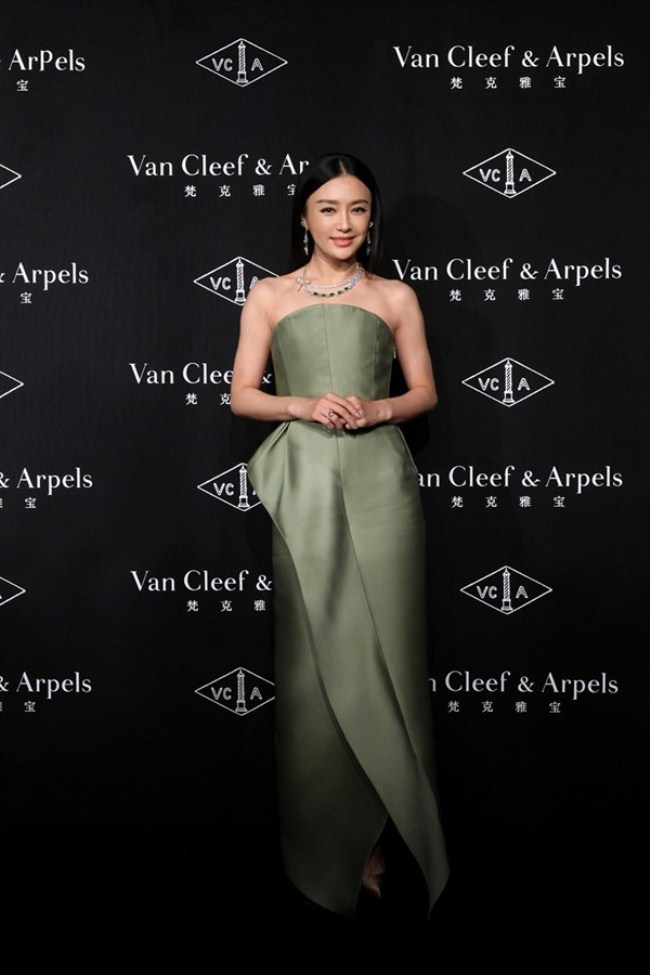 WTFSG_van-cleef-arpels-timeless-beauty-exhibit-shanghai_Qin-Lan
