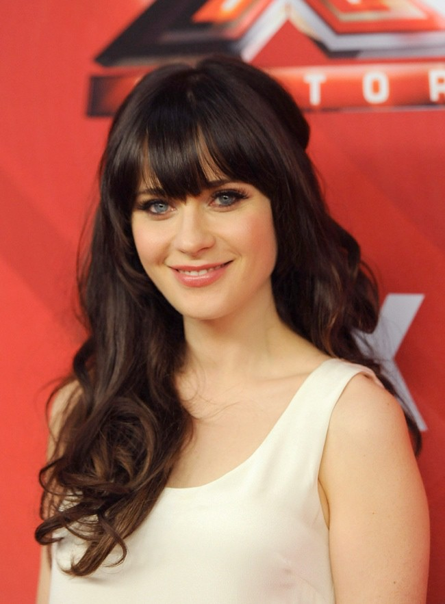 WTFSG_zooey-deschanel-long-curls-bangs