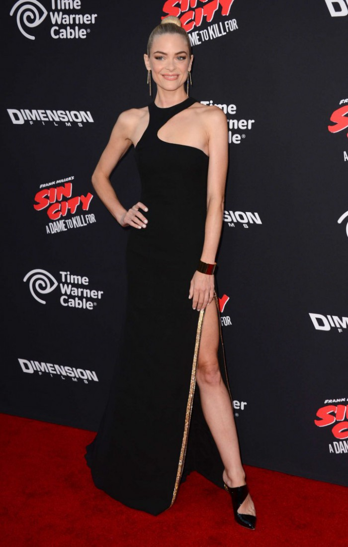 WTFSG-Sin-City-A-Dame-To-Kill-For-LA-Premiere-Jamie-King-versace-front