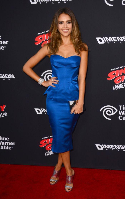 WTFSG-Sin City-A-Dame-to-Kill-For-LA Premiere-jessica-alba-blue-zac-posen-dress