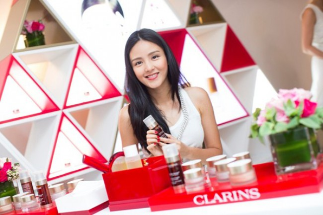 WTFSG-clarins-extra-firming-eye-cream-launch-5